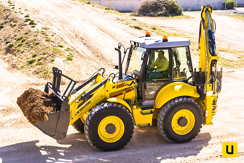 New Holland LB115B-4PS